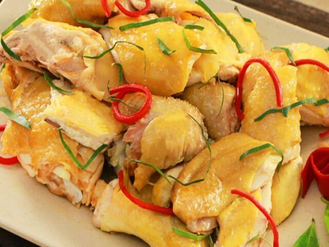 Cách luộc gà ngon tại nhà