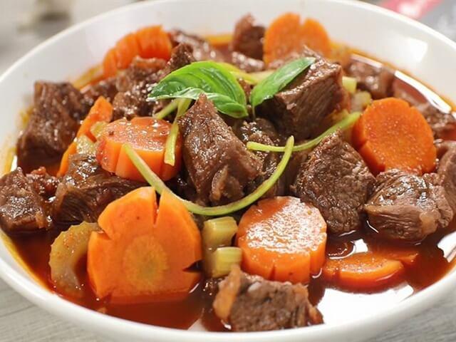 Công thức nấu món thịt bò kho củ cải cà rốt đơn giản