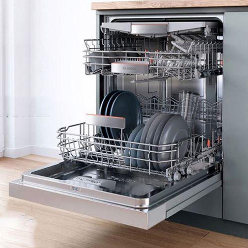 Máy rửa bát Bosch SMS46NI05E chứa được 13 bộ bát