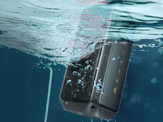 Khả năng chống nướng IPX7 của loa Bluetooth LG PK3