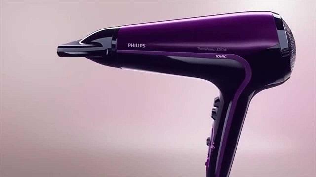 Philips HP8233 sở hữu công suất mạnh mẽ, giúp sấy khô tóc nhanh chóng