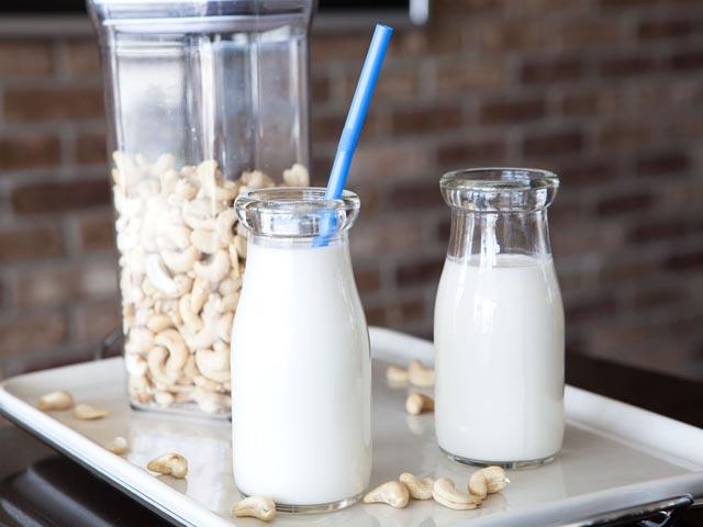 Cách làm sữa hạt điều giảm cân