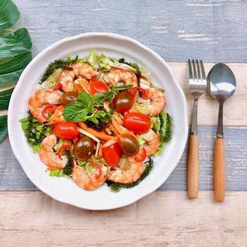 Salad rong nho hải sản dễ làm