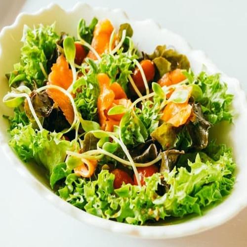 Salad rong nho chay phù hợp với nhiều đối tượng